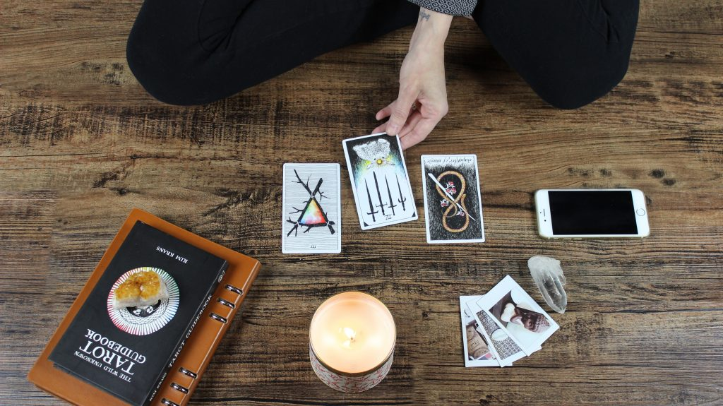 """INTERVIEW : Lilith Tarot, """"jewitch"""""""